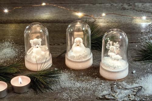 Hellum LED-Glasglocke mit Acryl-Rentier 524741