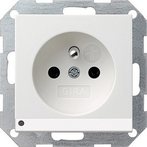 Gira Steckdose CEBEC reinweiß-glänzend mit LED-Beleuchtung 117203