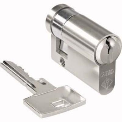 Merten Profilhalbzylinder Schlüsselabzug Mitte MEG3985-0001